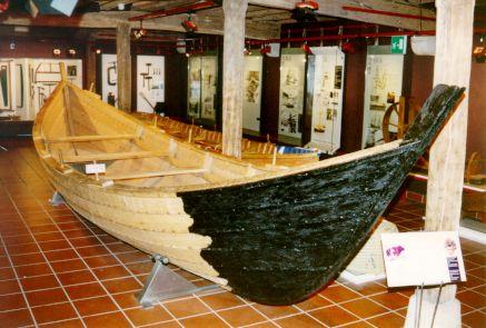 Chalupa ballenera medieval (construcción conjetural)