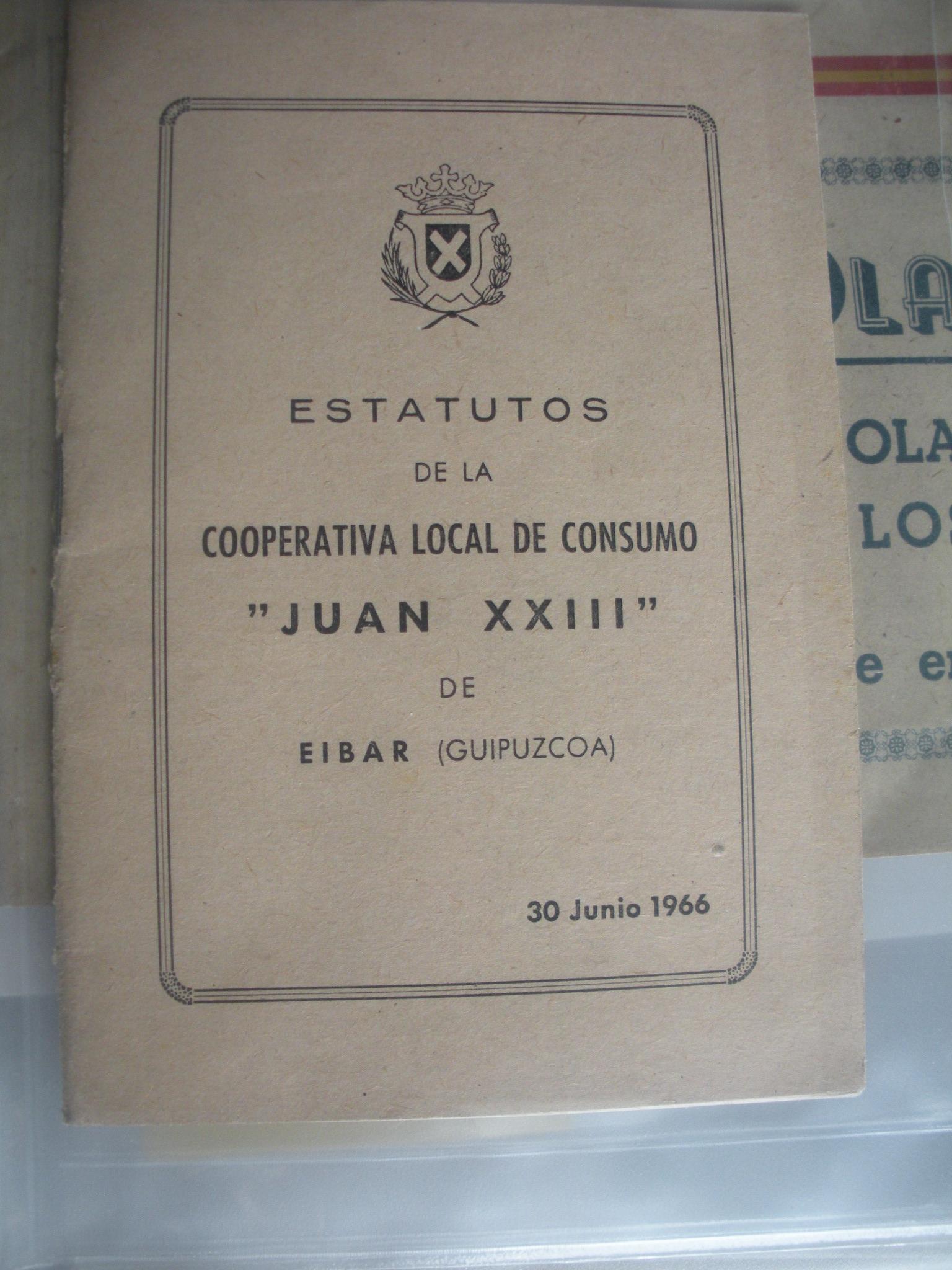 MEMORIA DEL CURSO ESCOLAR 1965 - 1966 DE LA ESCUELA DE INICIACIÓN PROFESIONAL INDUSTRIAL DE DEVA