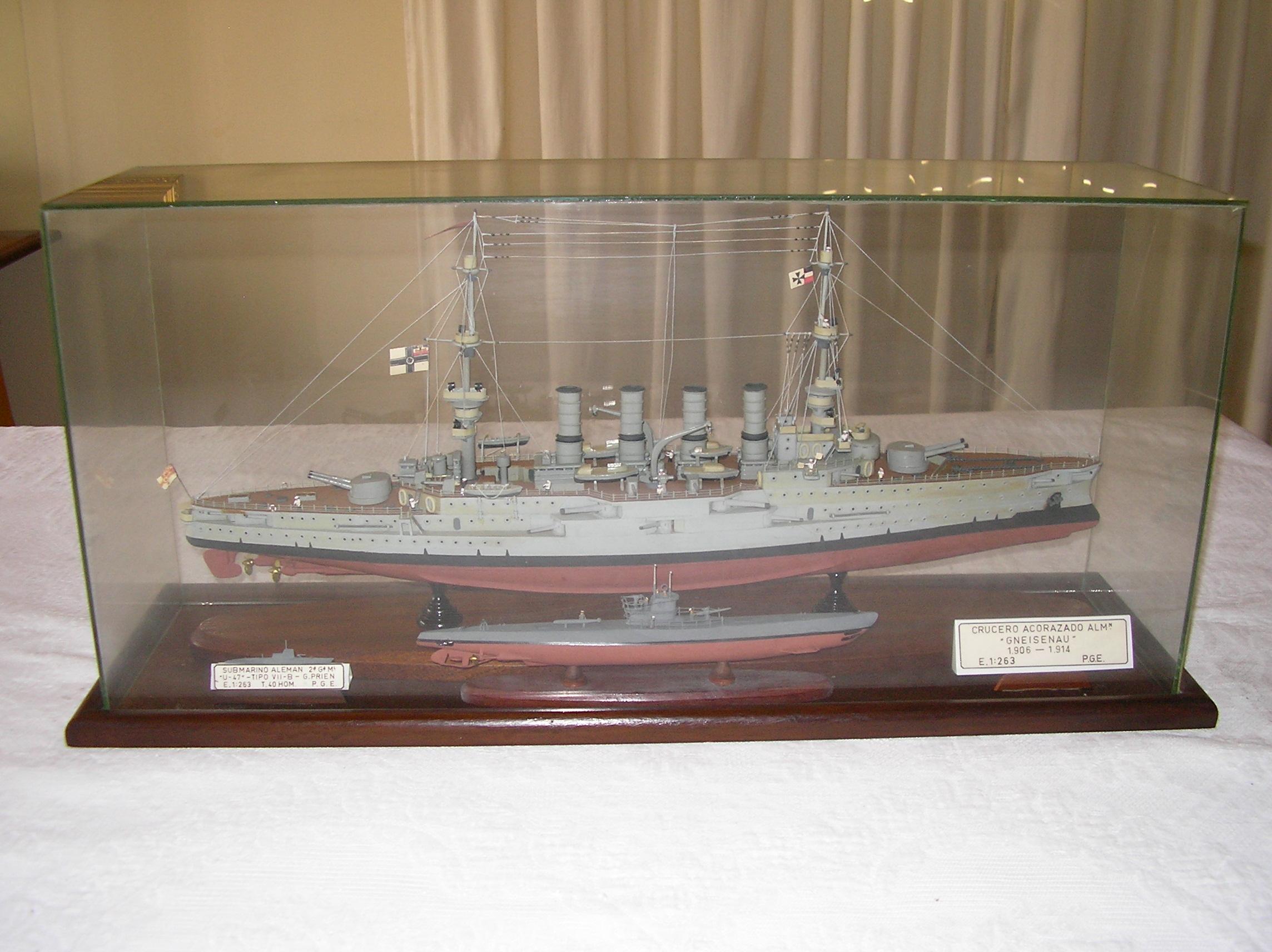 """Submarino alemán """"U-47"""". Crucero acorazado alemán """"Gneisenau"""""""