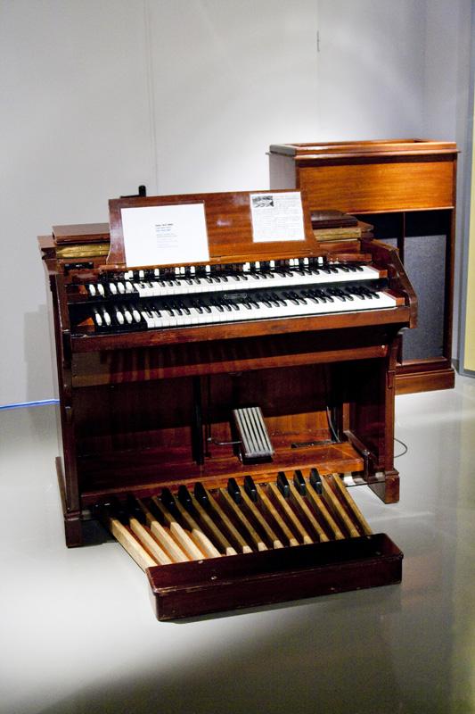 Órgano Helmholtz