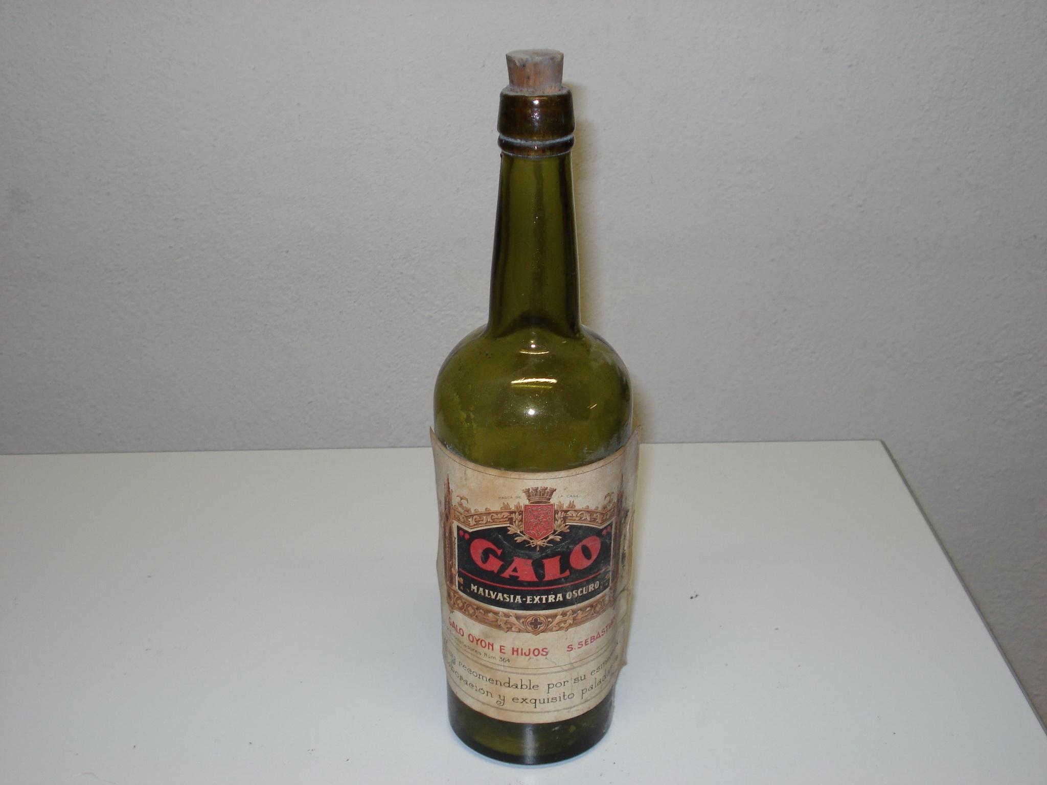 Botella de vino GALO