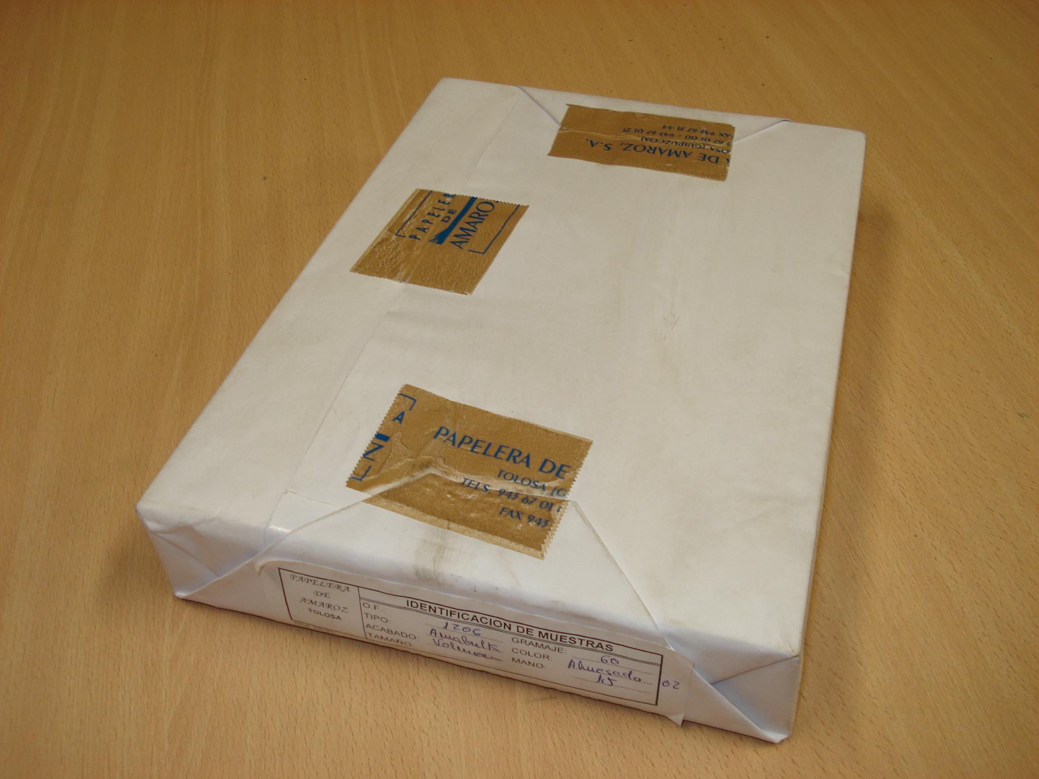 Paquete de hojas blancas PAPELERA DE AMAROZ