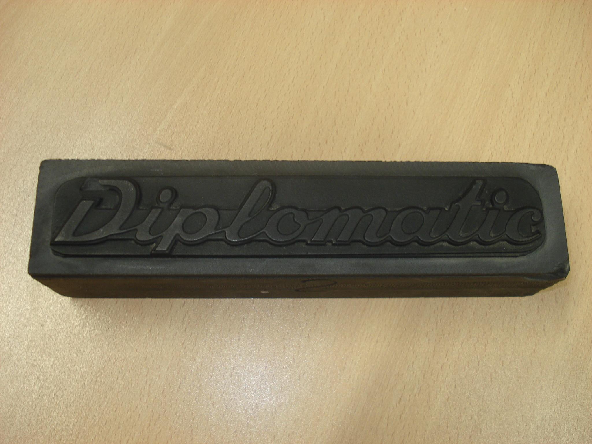 Troquel de la marca del coche Diplomatic