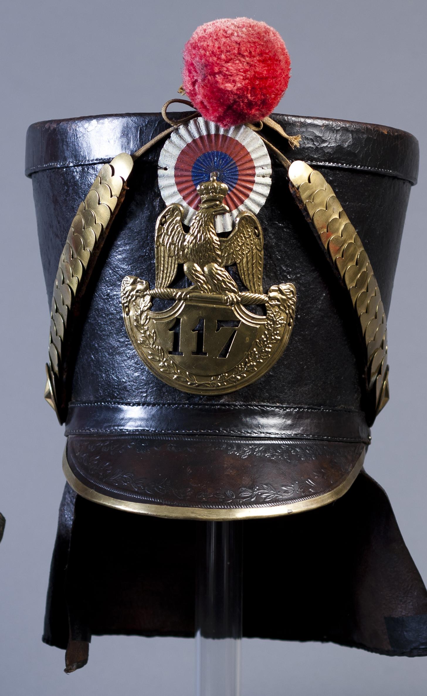 Shacó de suboficial de Infantería francés