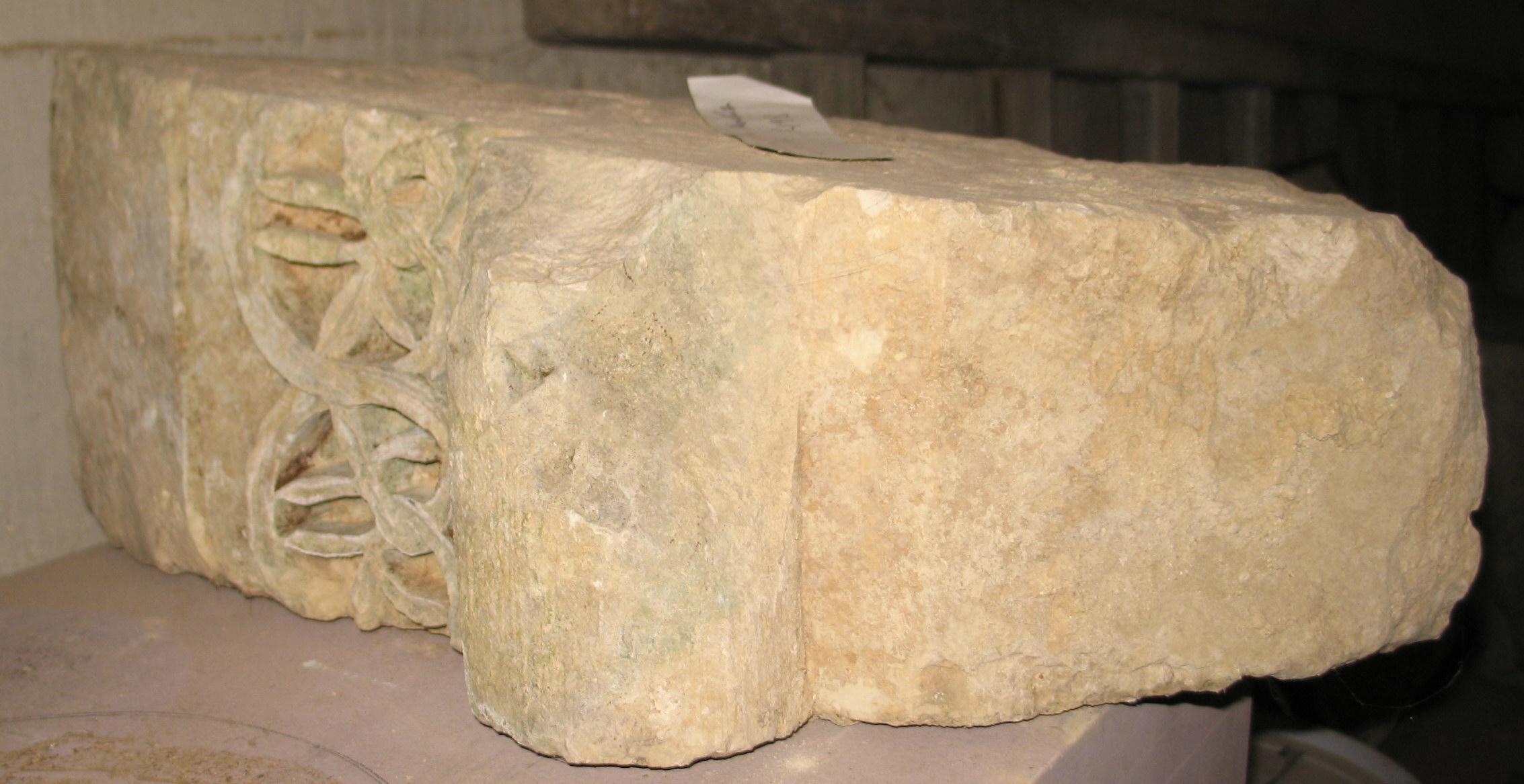 Dovela de la Abadía de Santa Pía