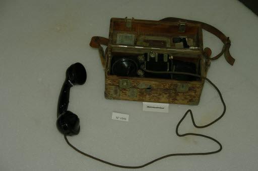 Teléfono de campaña