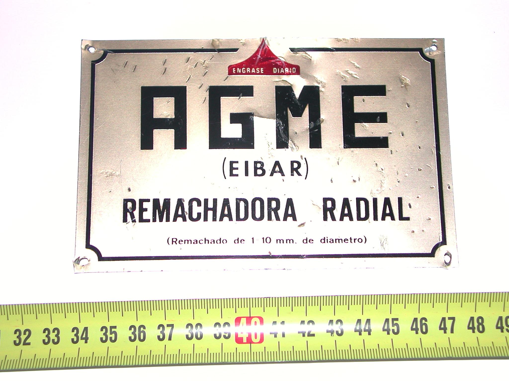 Placa identificativa para maquinaria producida por AGME