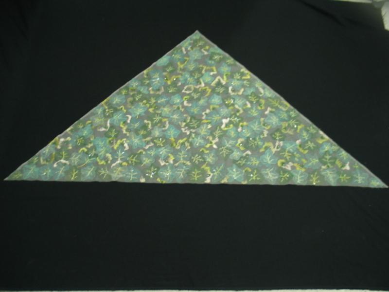 Pañuelo triangular de tul