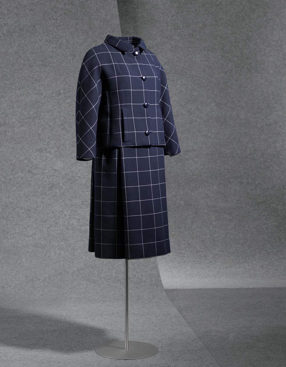 Traje de chaqueta en sarga cruzada de lana azul y blanca