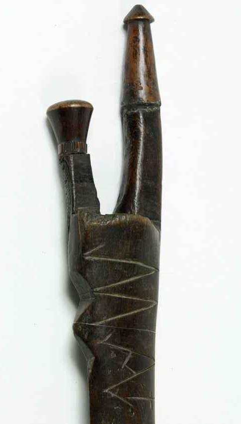 Maza-espada de madera