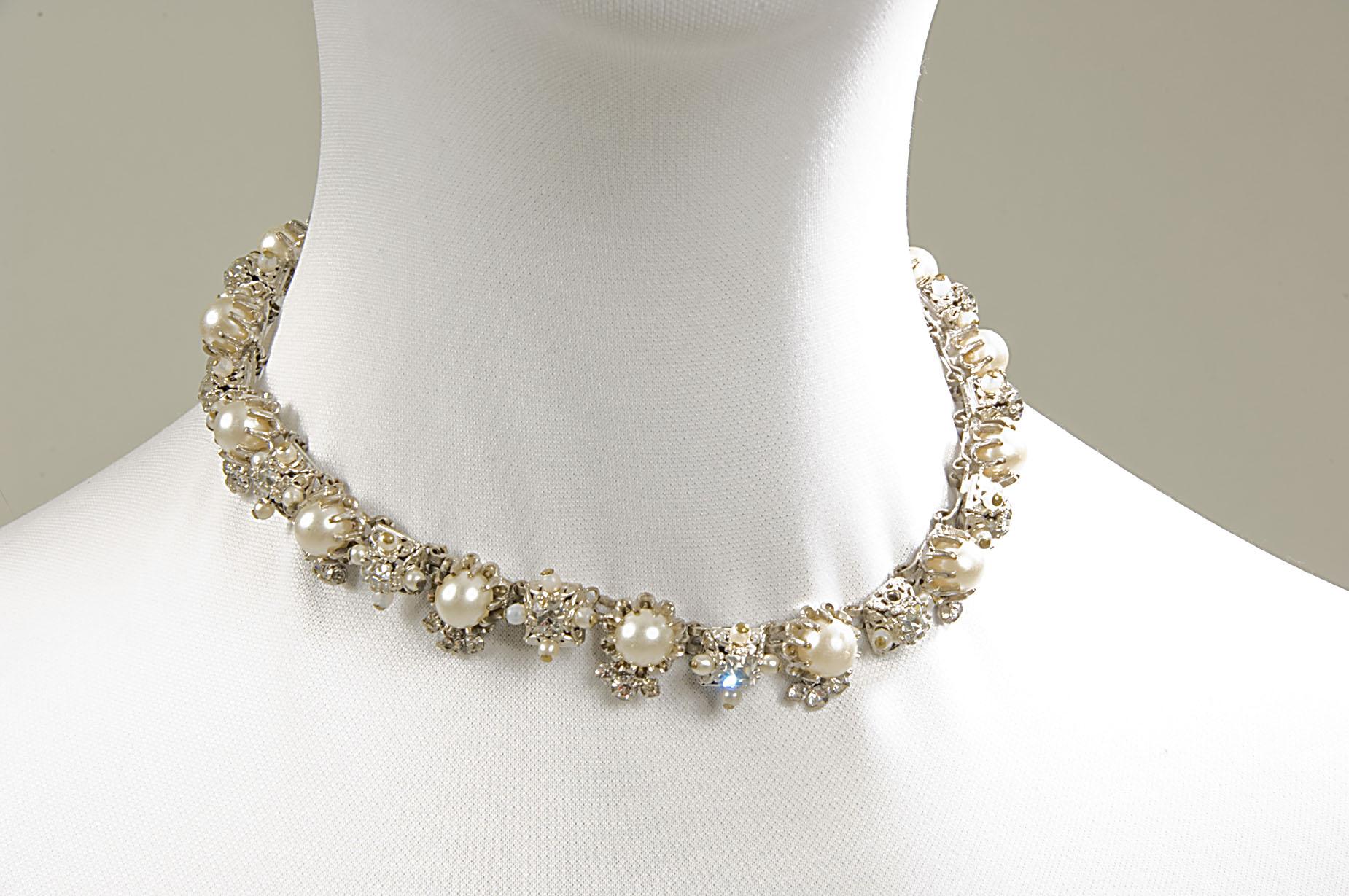 Collar gargantilla de perlas y diamantes