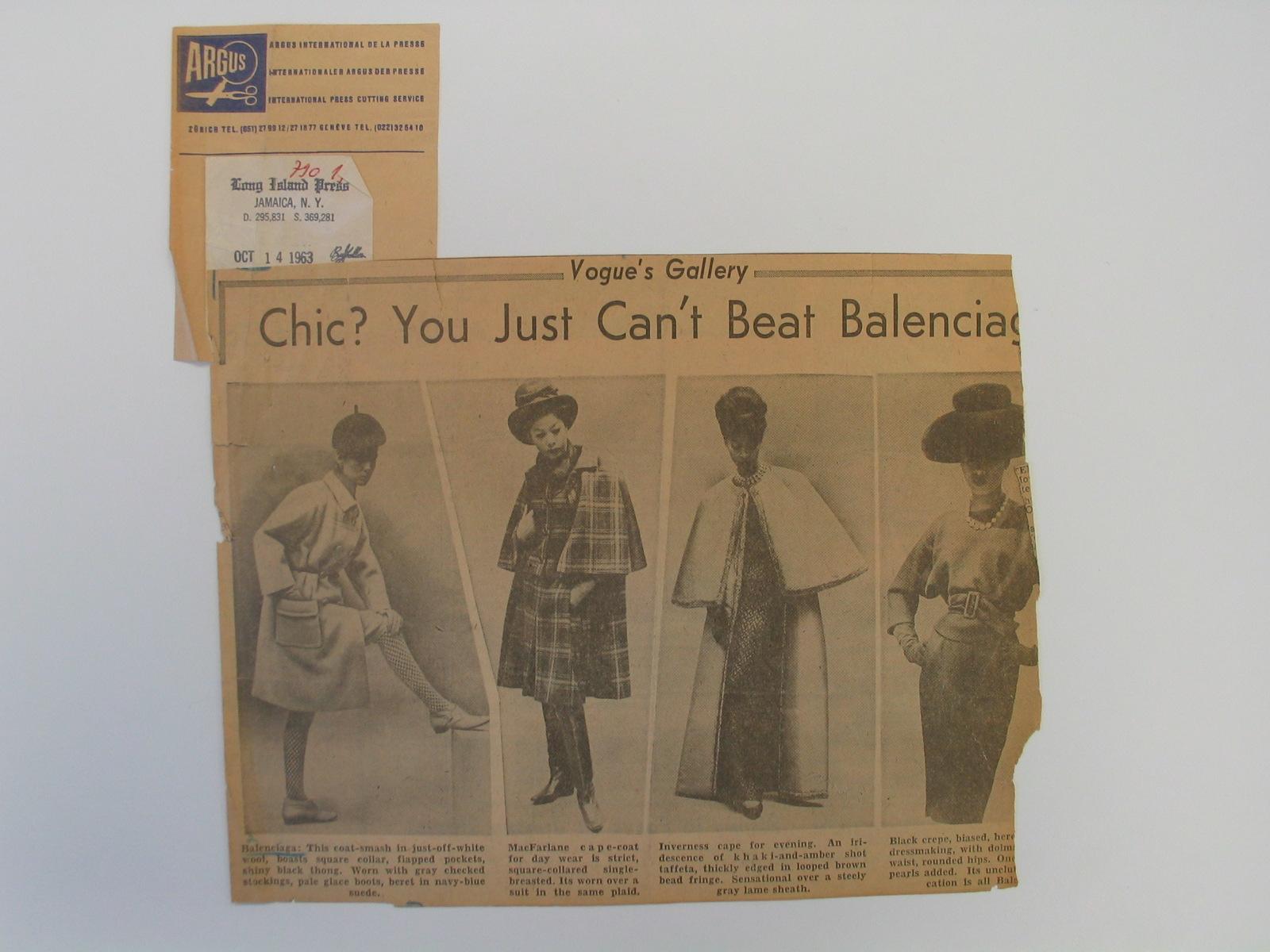 """Recorte de prensa con el artículo """"Chic? You just can't beat Balenciaga"""" con fotografías de modelos de abrigos, capas y vestido"""