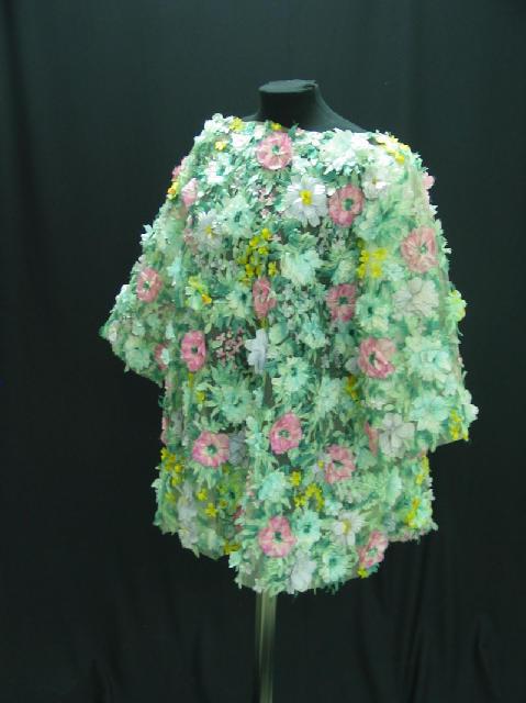 Tunica de tul con flores superpuestas, con sujetador a juego