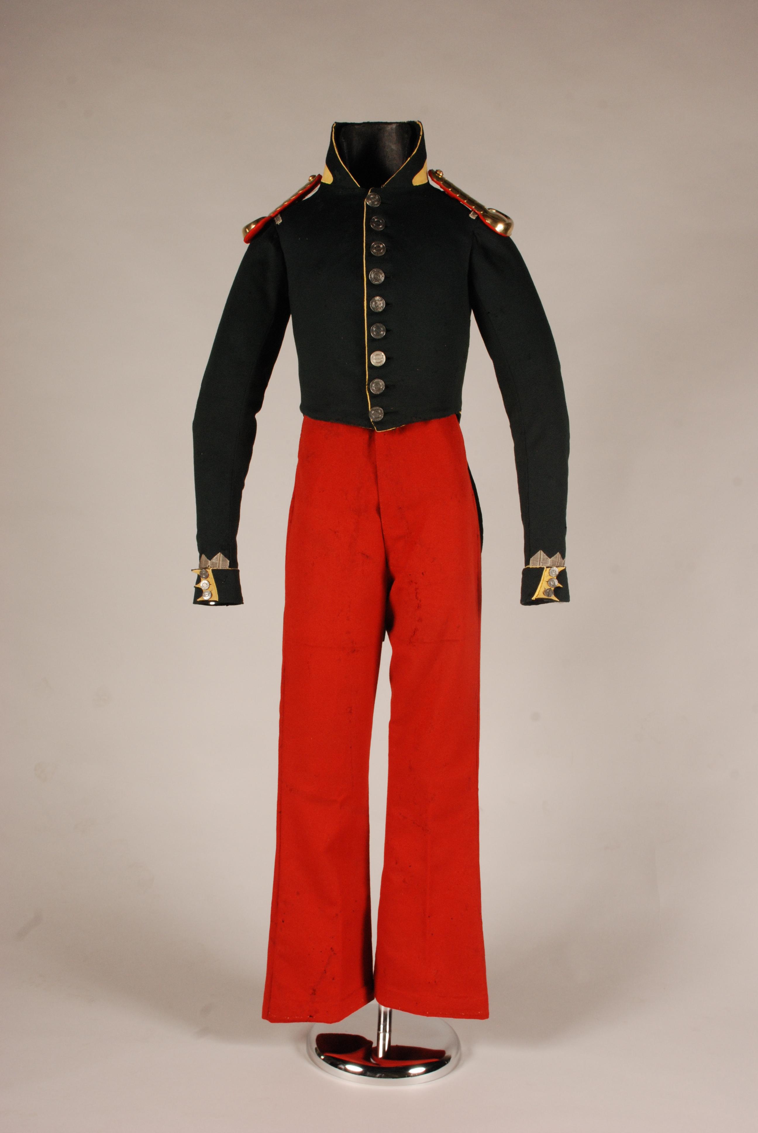 Bilboko setioko hiri miliziako ofizialaren uniformea