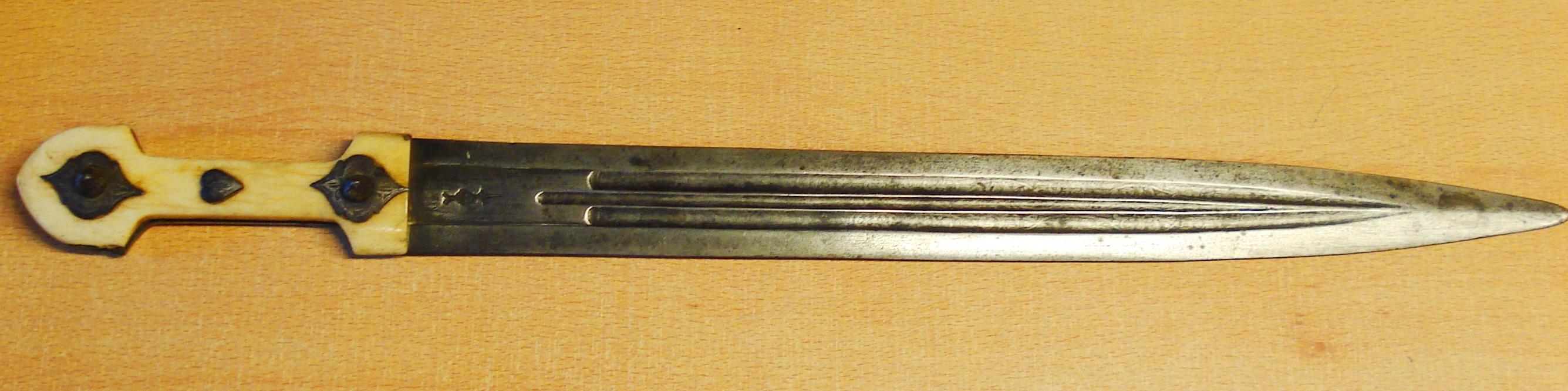 Espada corta Kindjal