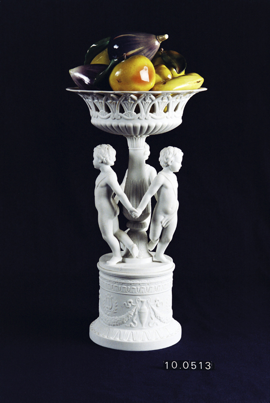 Frutero con frutas