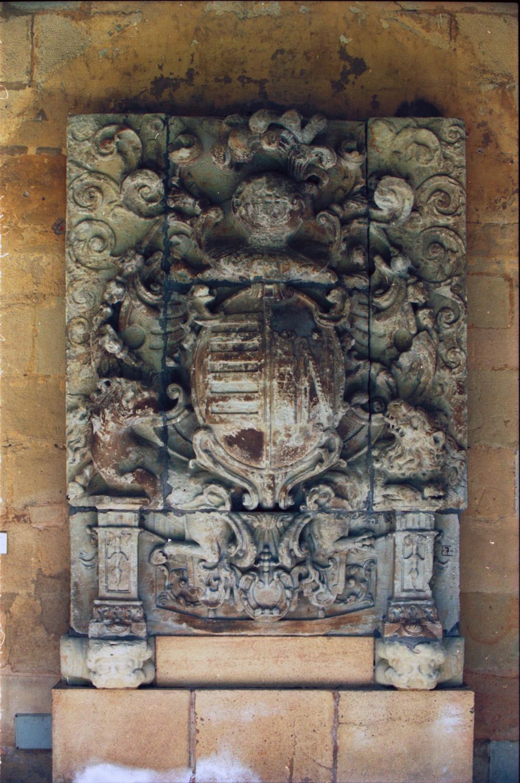 Escudo de Marquina y Larragoiti