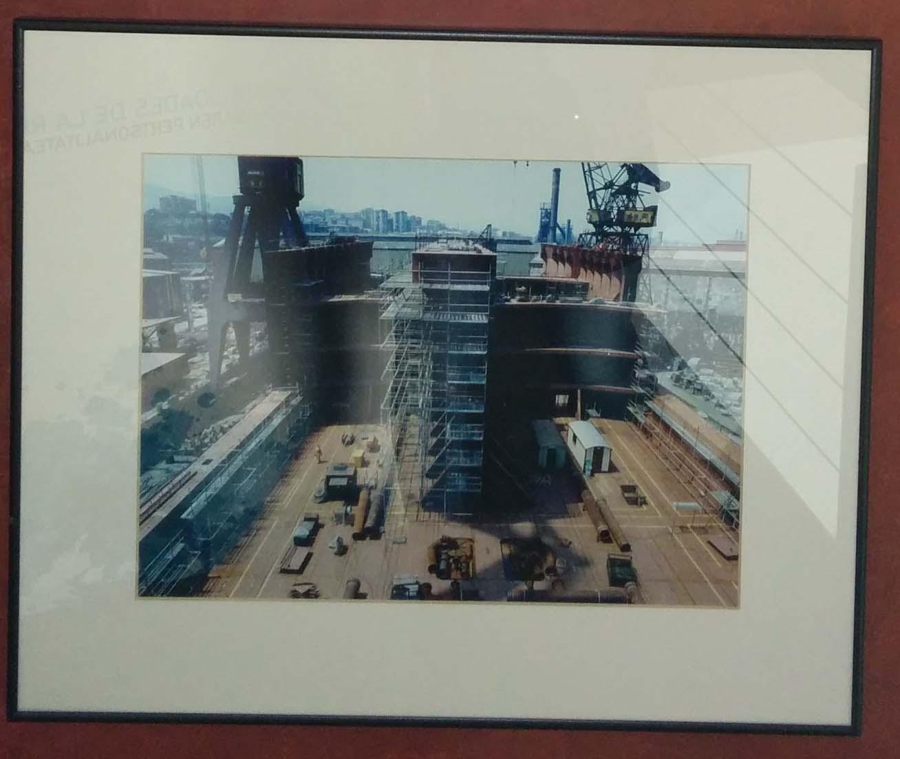 Fotografia La Naval  47. Construcción de un Suttle y vista de la grada. Julio 1992.