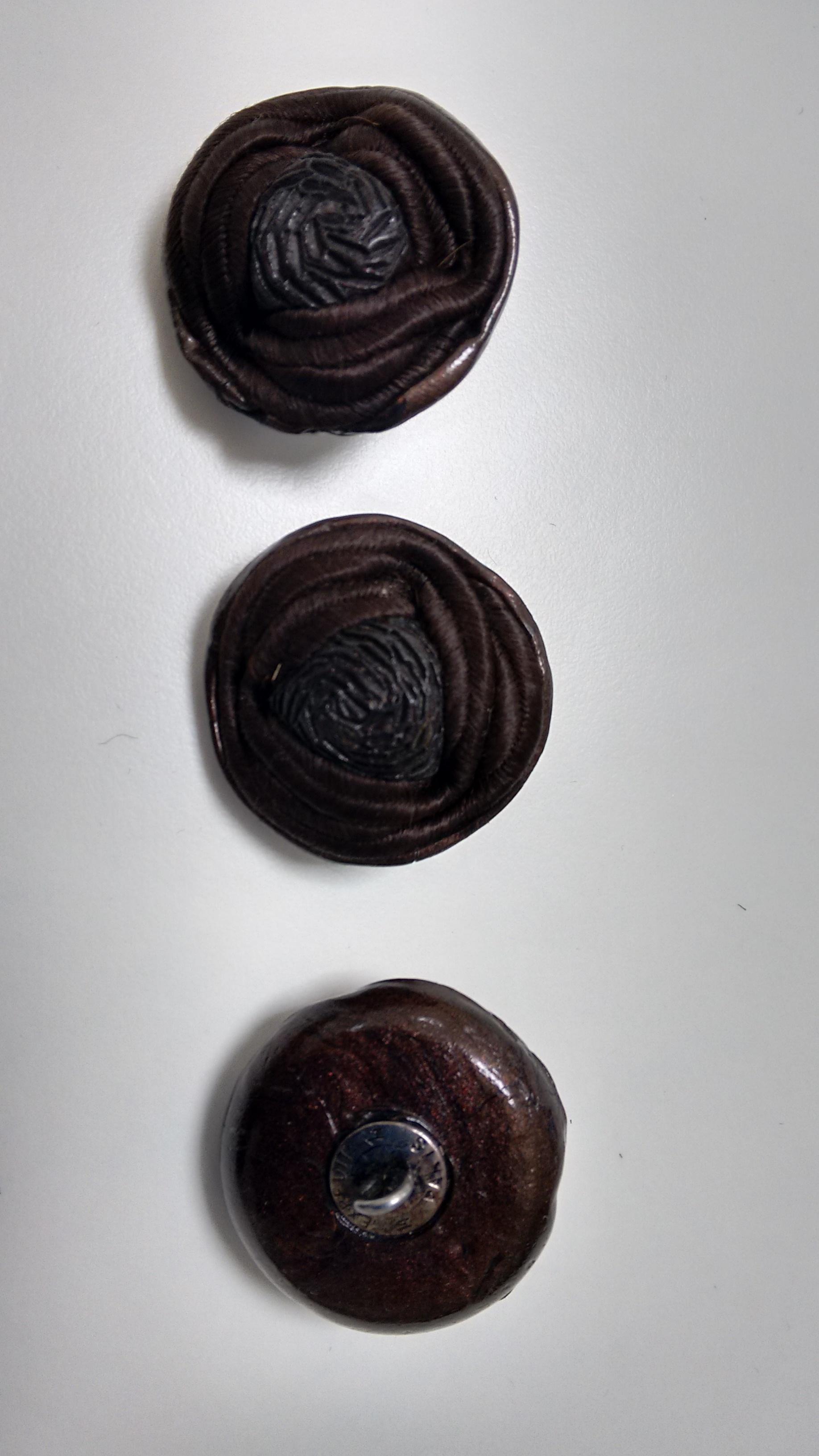 Botones  de pasamaneria, pasta y cordoncillo