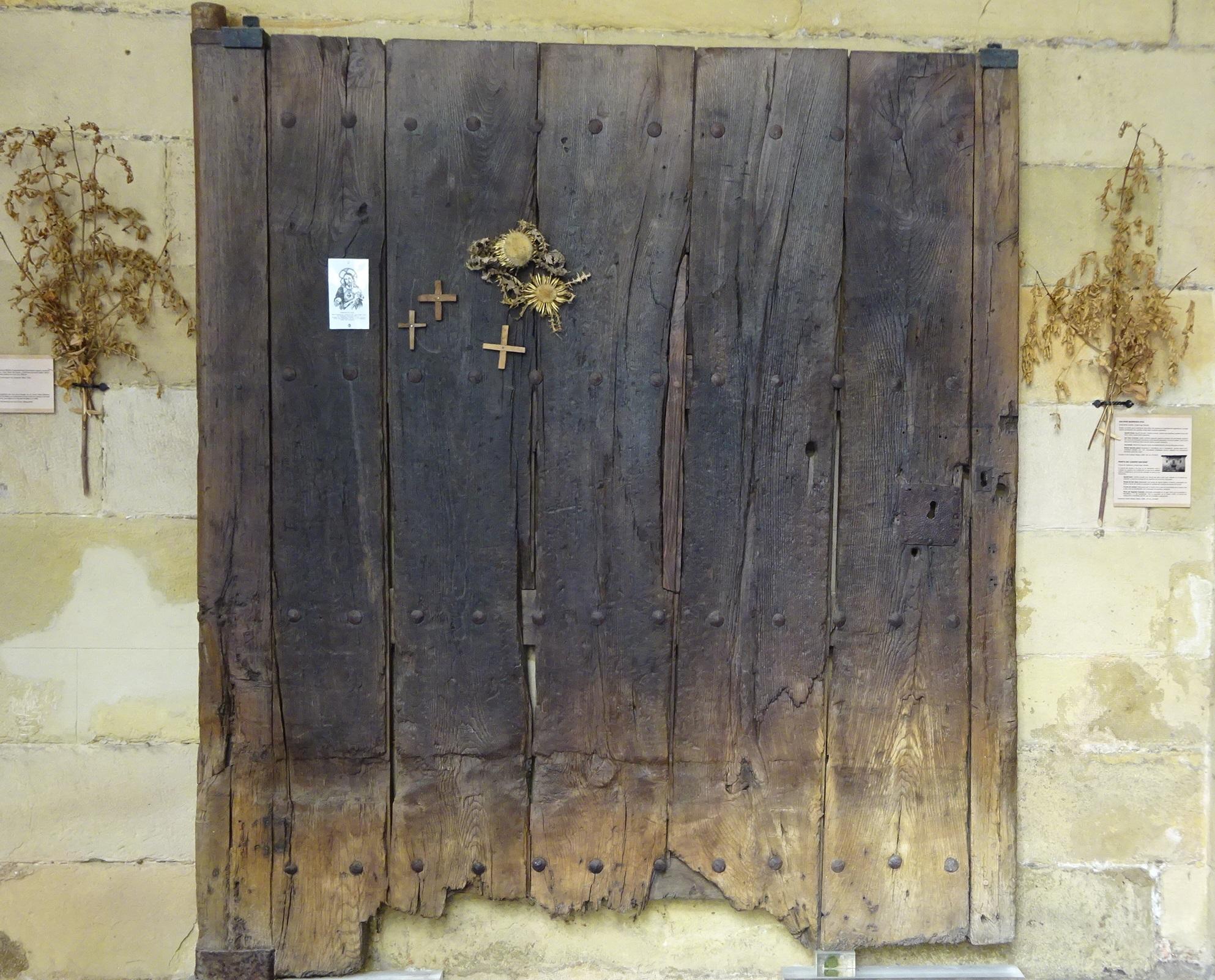 Portón del caserío San Roke
