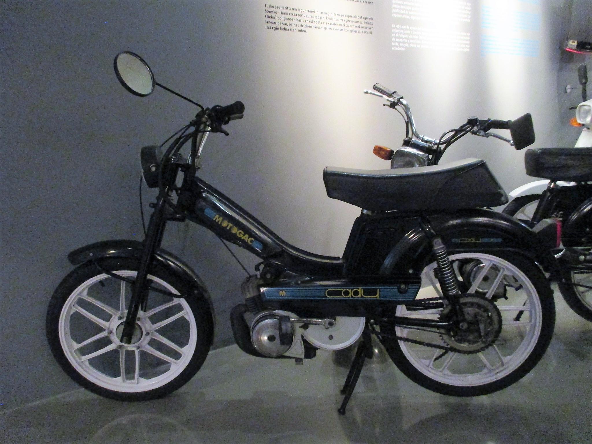 MOTOCICLETA MODELO GAC CADY