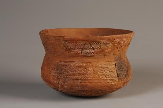 Vaso campaniforme con decoración tipo Ciempozuelos