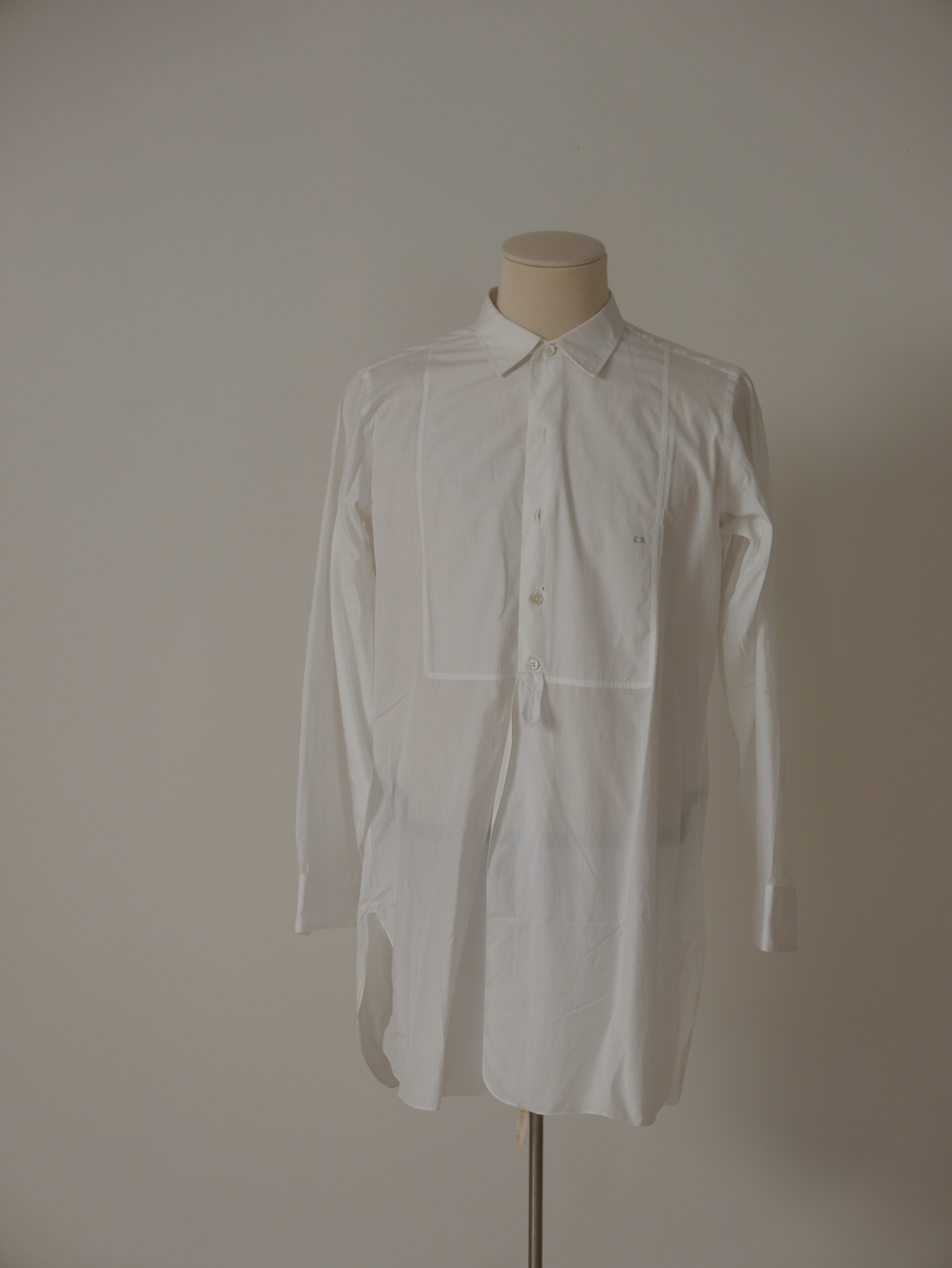 Camisa de vestir en batista blanca