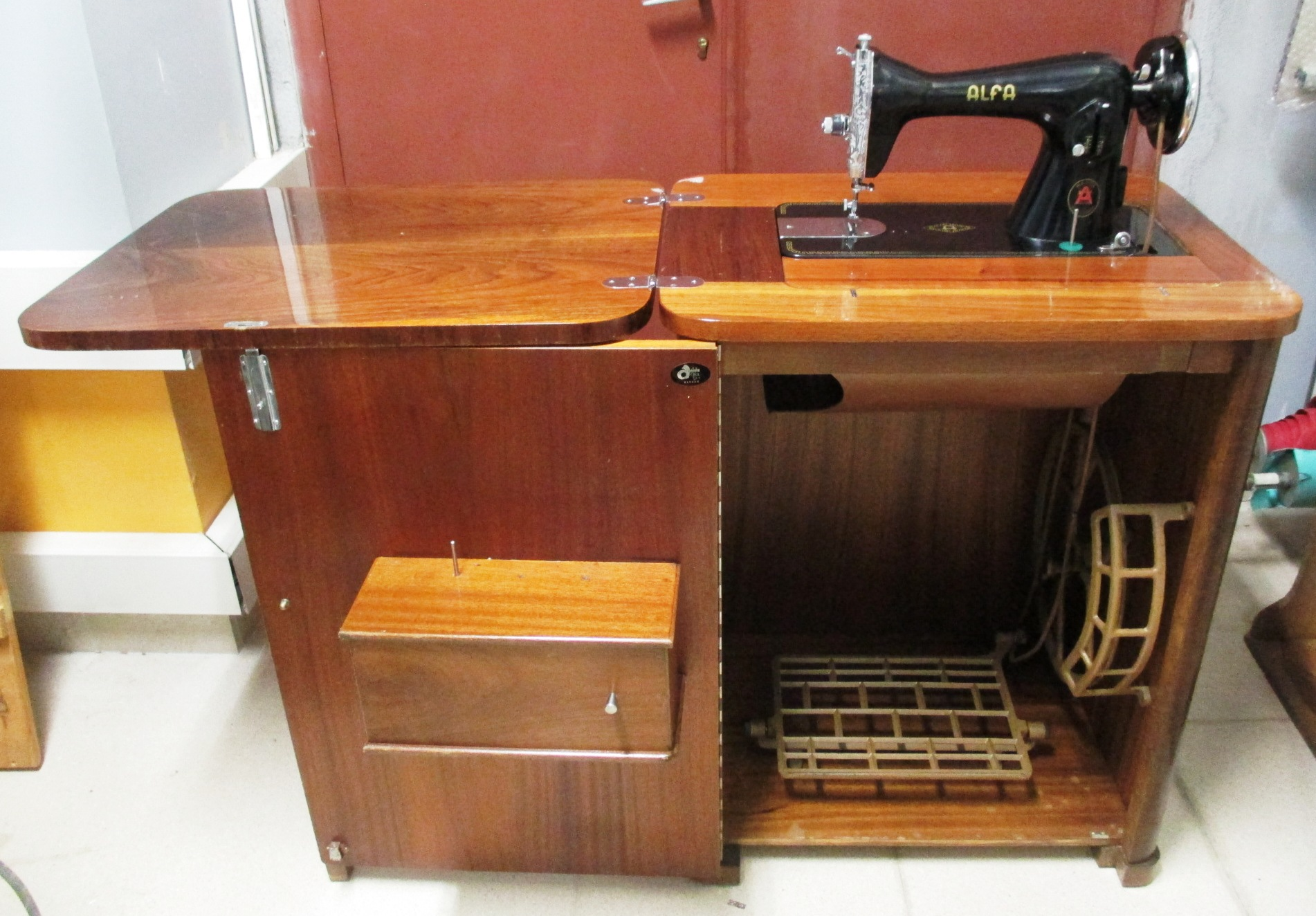Máquina de coser Alfa modelo 40