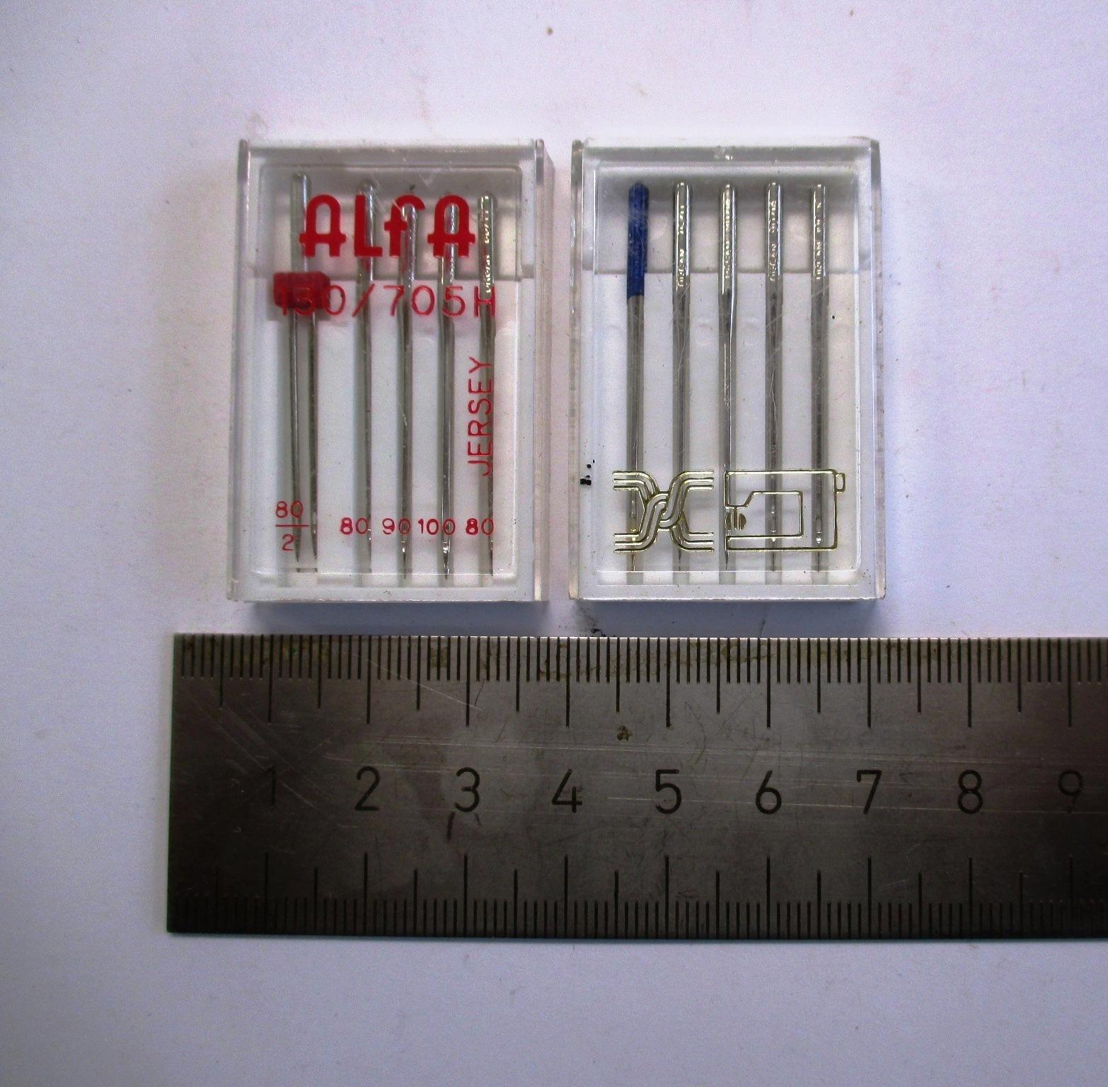 Conjunto de 2 cajas de agujas para máquina de coser.