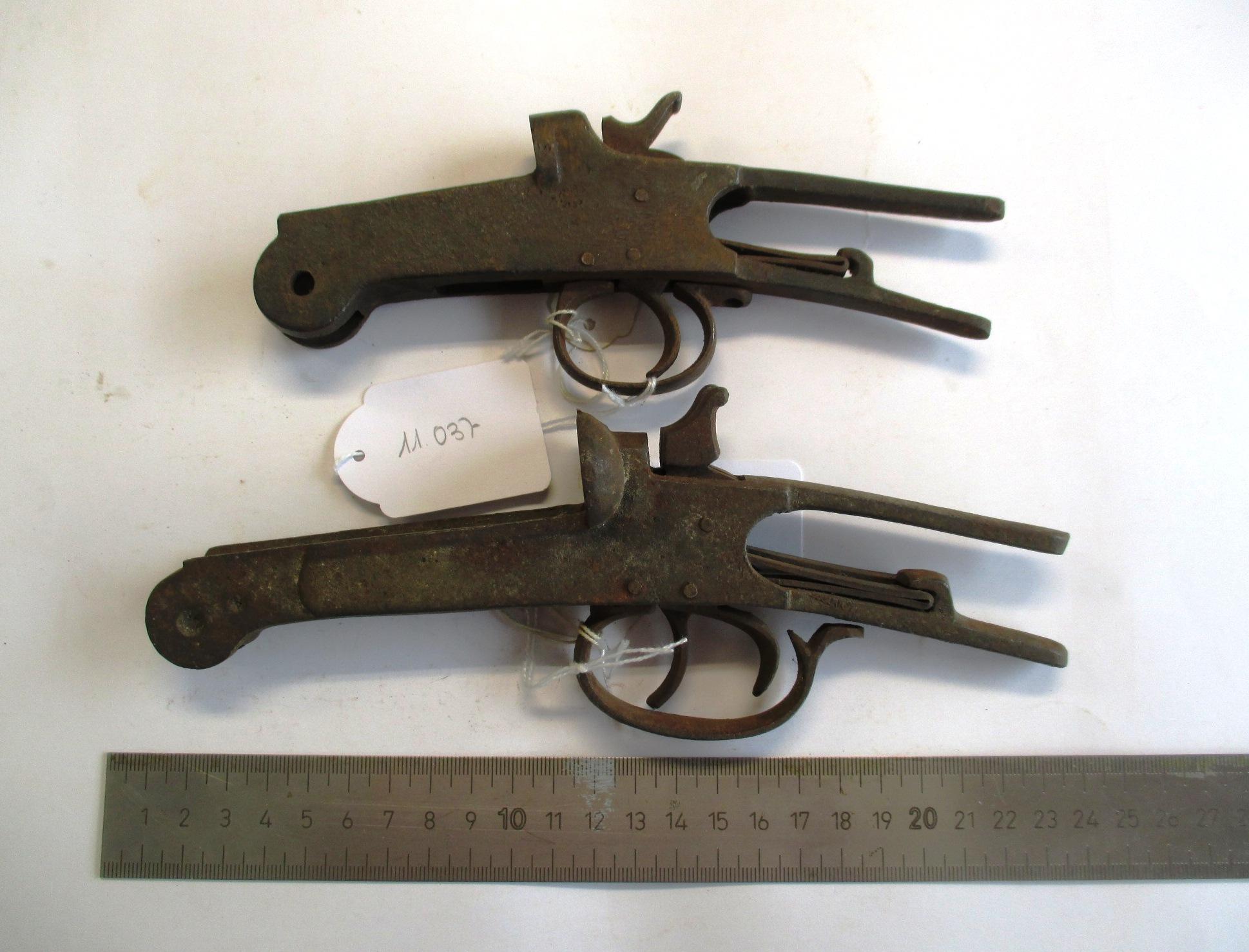 Conjunto de dos mecanismos de gatillo.