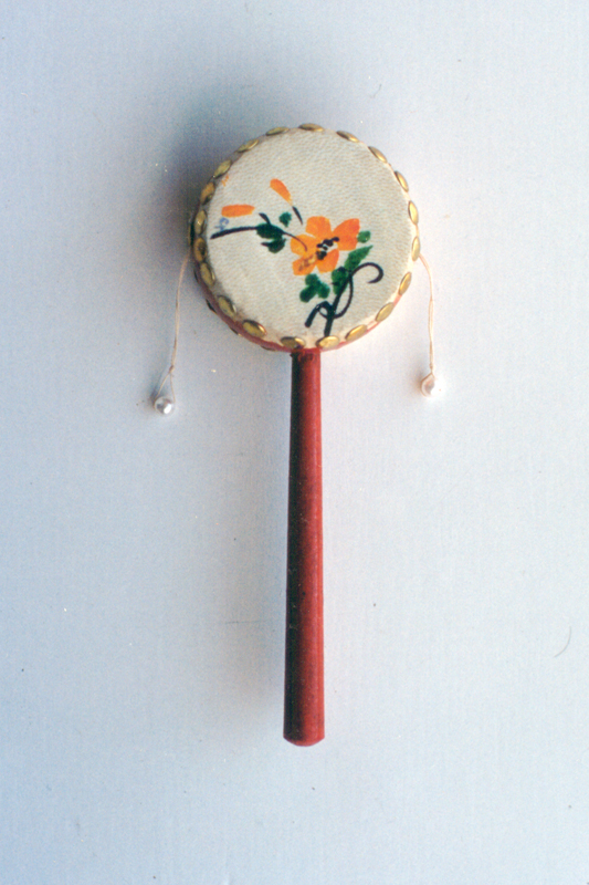 Jirabirako danbor kirtenduna; Rattle drum