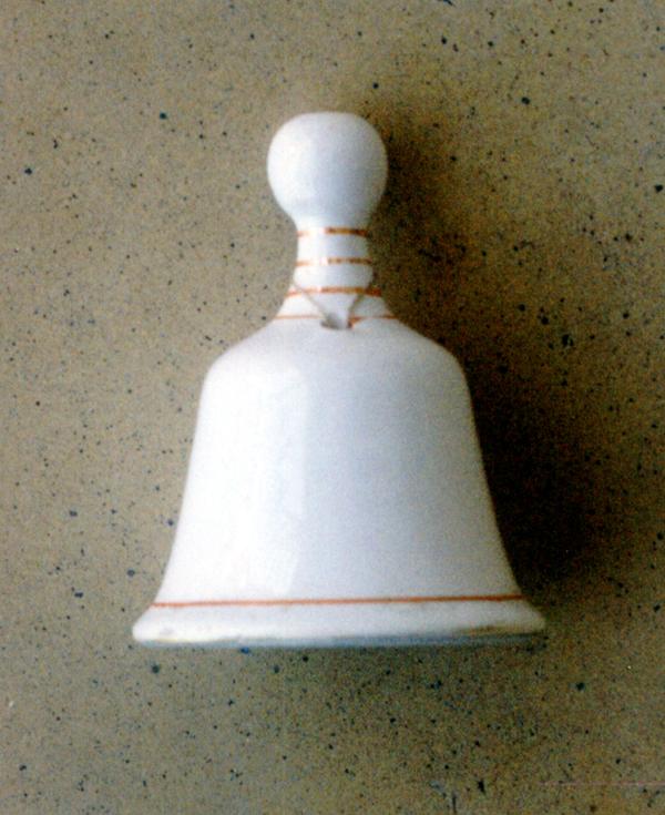 EZKILATXOA; Campanilla de cerámica