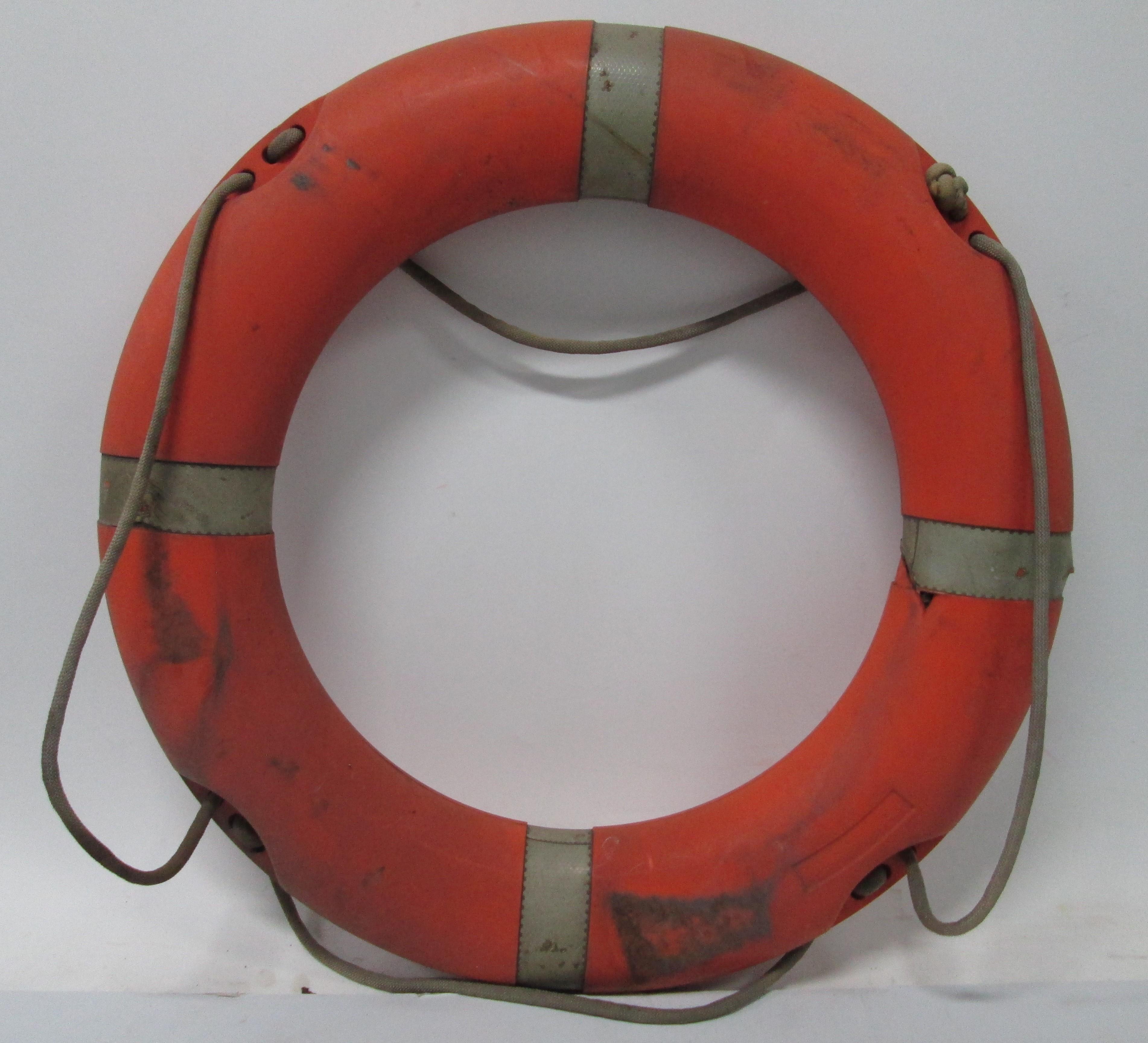 Aro salvavidas de estación de salvamento