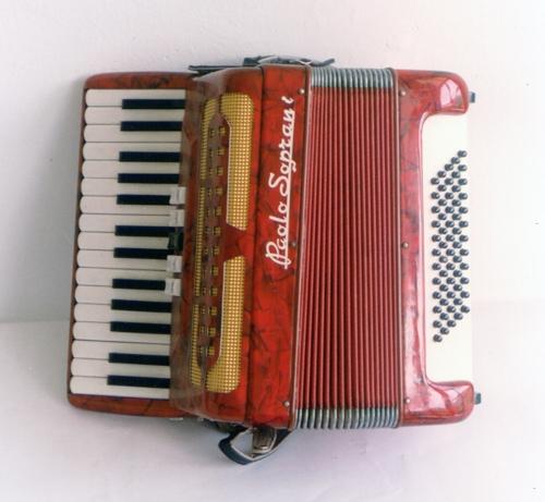 SOINU HANDIA; ACCORDEON; ACORDEÓN DE PIANO