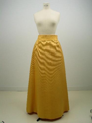 Falda de noche en otomán amarillo
