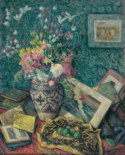 Florero, libros, estampas y peras verdes