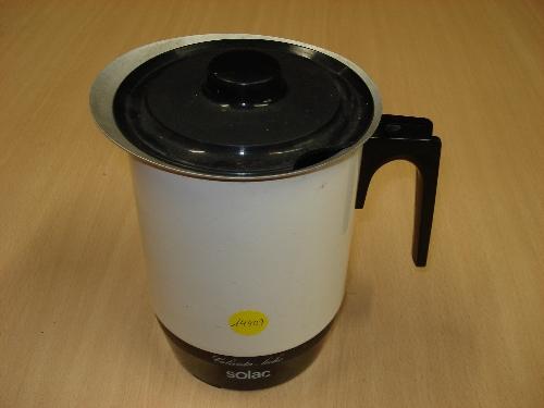 Calentador eléctrico de leche SOLAC Mod. 301 600 W