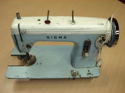 Máquina de coser eléctrica SIGMA Mod. 140