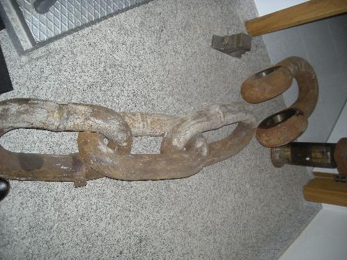Cadena de tres eslabones