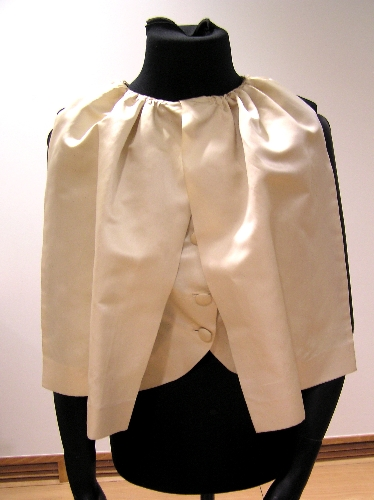 Blusa de raso blanca/beis