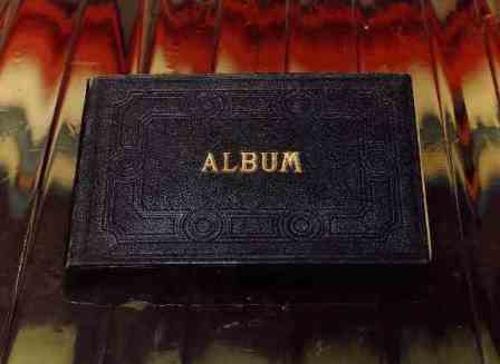 Álbum (perteneció a la Srta. Luisa Enciso)