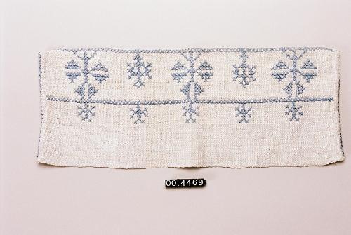 Fragmento bordado de funda de almohada