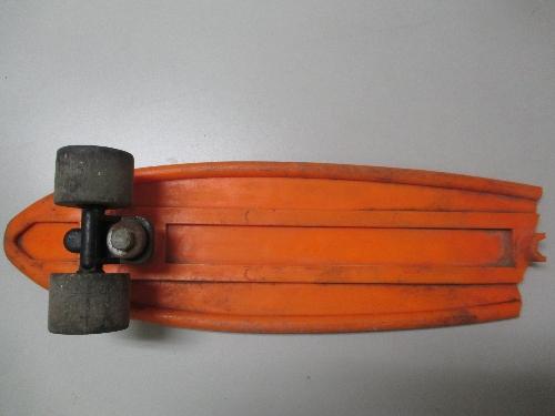 Tabla de monopatín NAI naranja