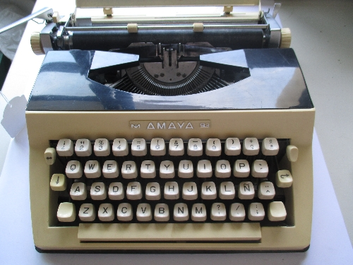 Máquina de escribir Mod. Amaya 93
