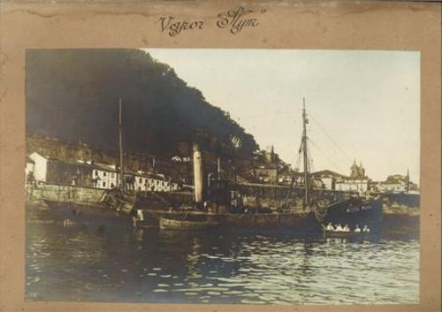 """Vapor """"Plym"""" en el puerto de San Sebastián"""