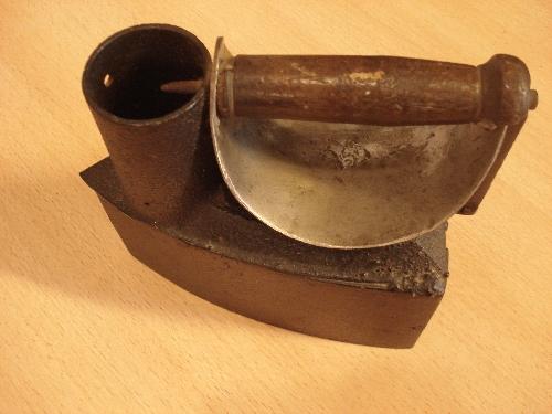Plancha de carbón con chimenea