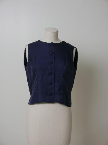 Blusa sin mangas de seda azul oscuro