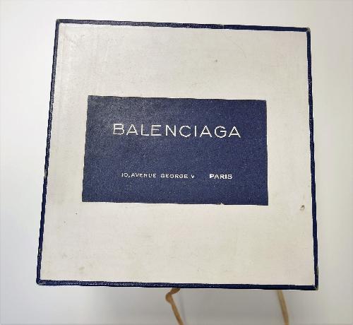 Sombrerera  cuadrada BALENCIAGA