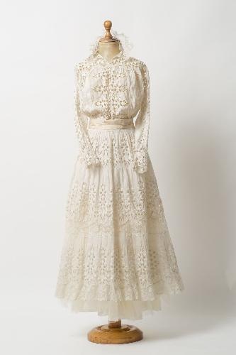 Vestido de verano de algodón calado color crudo