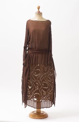 Vestido de gasa de crepé marrón tabaco